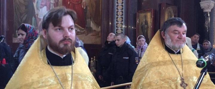 Иерей Александр Лисовский принял участие в служении молебна с акафистом у мощей святителя Николая Чудотворца